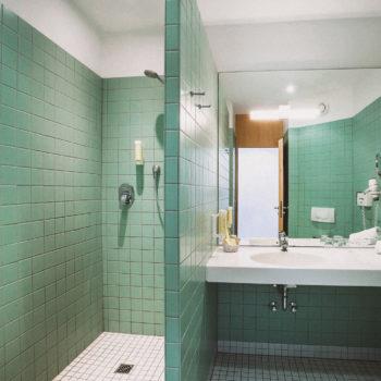 aqualux Wellness und Tagungshotel Bad Salzschlirf Badezimmer Superior