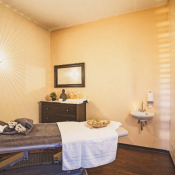 aqualux Wellness und Tagungshotel Bad Salzschlirf Wellness Massageraum 2