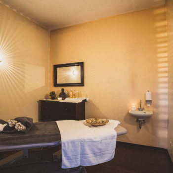 aqualux Wellness und Tagungshotel Bad Salzschlirf Wellness Massageraum